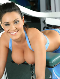Big titted gym..