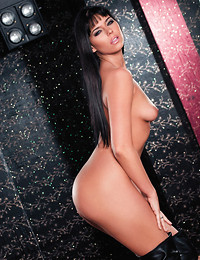 Simony Diamond in..