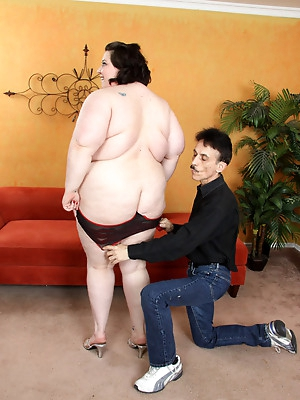 Fat hotties naked. BBW porn pictures.