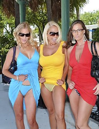 3 super hot milfs..