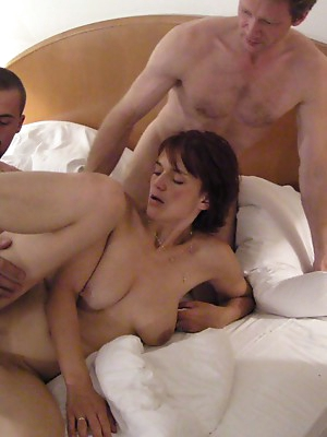 Romantic adventures of swingers from all countries of the world. They have sex, kiss, seduce. Girls suck male cock, changing partners and then catches up with them all orgasm.